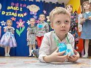 Przedszkolaki z 4 Słoni występują dla Babć i Dziadków. 7 lutego 2020 r.