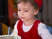 Trzecie urodziny Milenki, marzec 2016 r. Fot.: Adrianna Kostrzoń